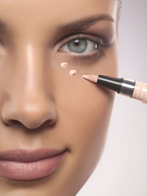 62bf9fff53e90d5e_How-to-Keep-Concealer-From-Caking.xxxlarge_1